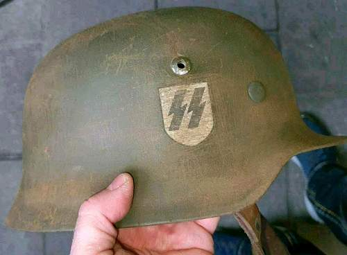 Ich bitte um Hilfe im Bezug SS Helme
