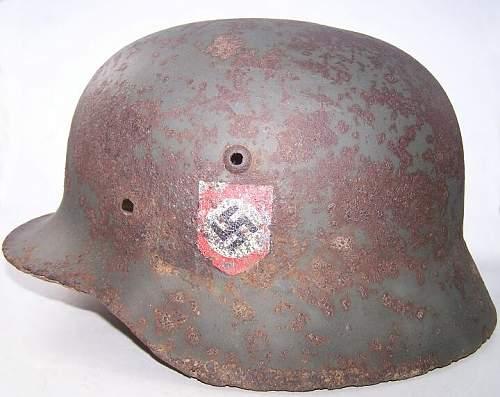 SS M35 DD police re-issued, battledamaged