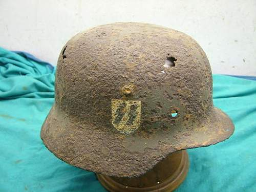 Relic M35 double decal SS helmet: Good or Bad Help Please
