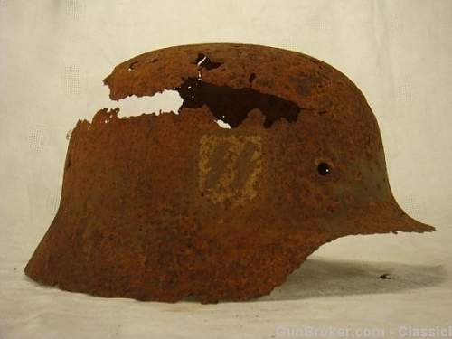 How to tell if original decal on Relic helmets?