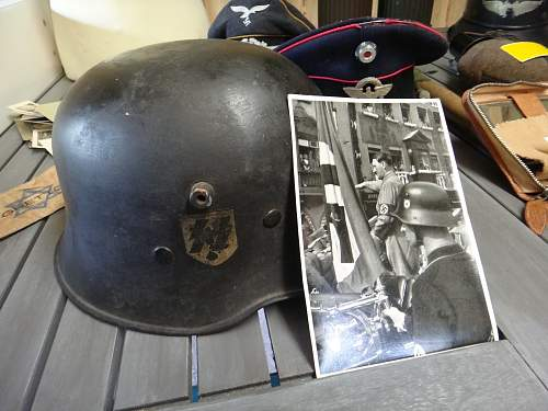 Whats up with this DD SS helmet?