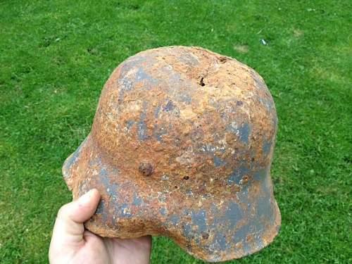 Relic SS helmet, decals legitmate?