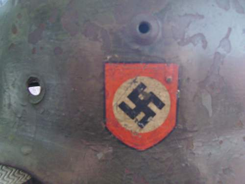 Help With a Helmet..M-42 Double Decal????