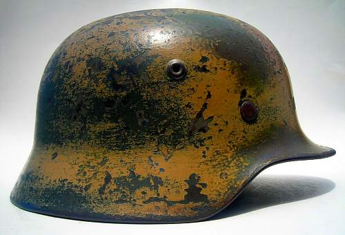 M35 SS sd helmet - messed with decal?