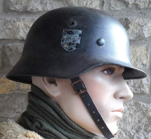 Click image for larger version.  Name:M7012_M40_SS_combat_helmet.JPG Views:39 Size:108.9 KB ID:583347