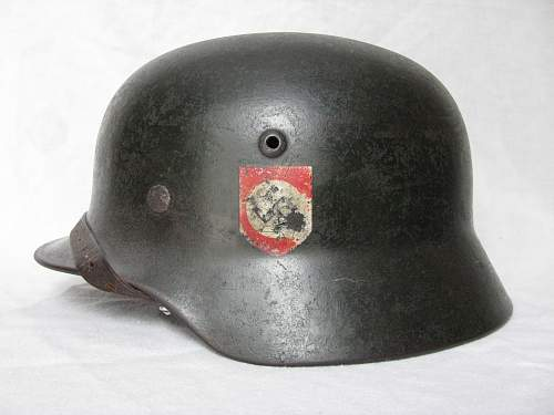 M35 Double Decal SS Helmet - Q66 - Lot # 1944