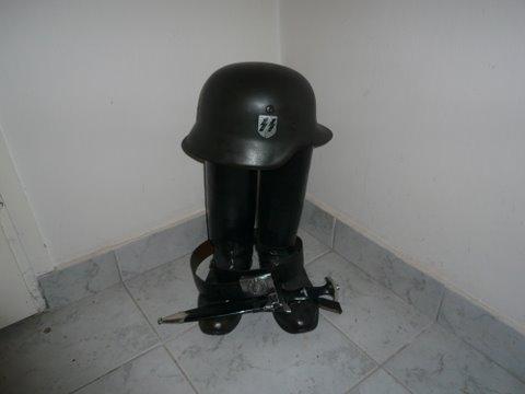 SS Volunteer helmet / Handschar?