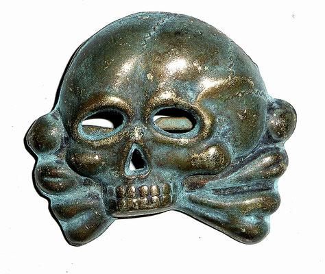 SS Skull Badge