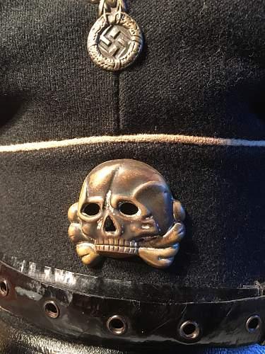 SS cap eagles and skulls
