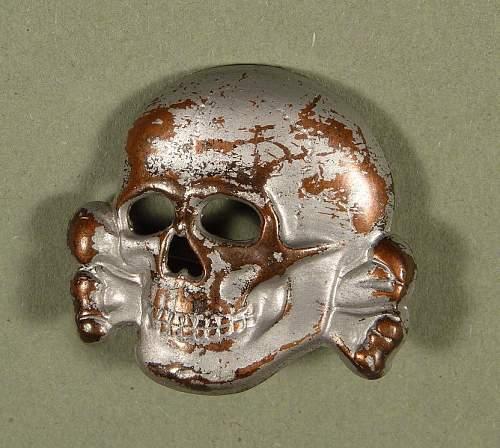 SS skull m1/52 real or fake??