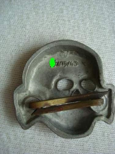 Skull probably fake? SS 475/43 marked