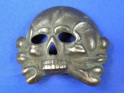 Early skull: RZM M1/25 marked: original ?