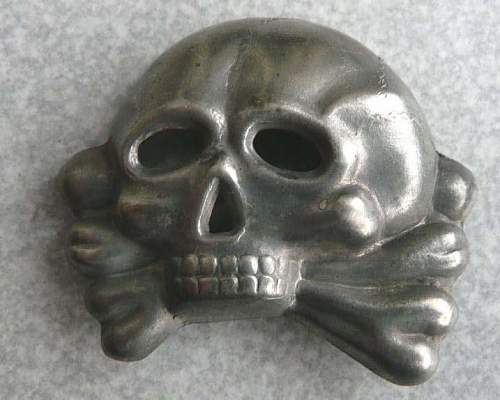 Early SS-skull, fake?