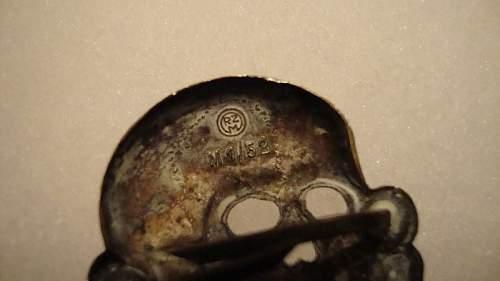One more deschler skull on ebay!