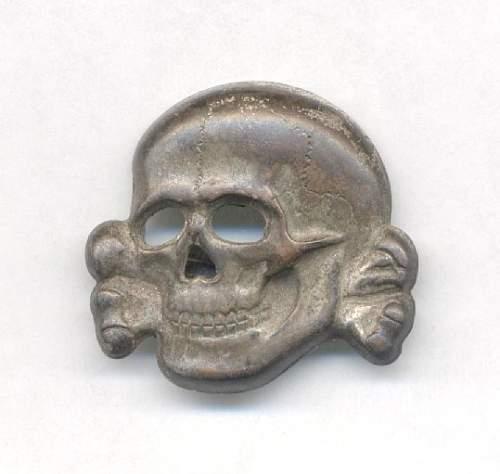 Totenkopf m1/52 Cap Badge