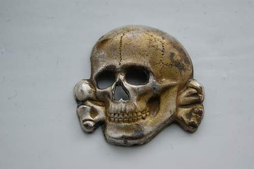 Totenkopf/Skull and Eagle Badges: RZM SS marked