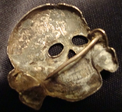 Looking for a 2nd pattern Totenkopf skull for display