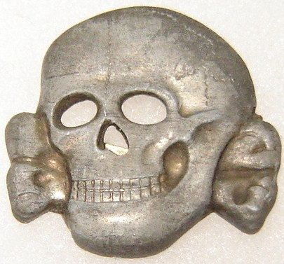 Unmarked Totenkopf .......... repro i believe.(ss 373/43)