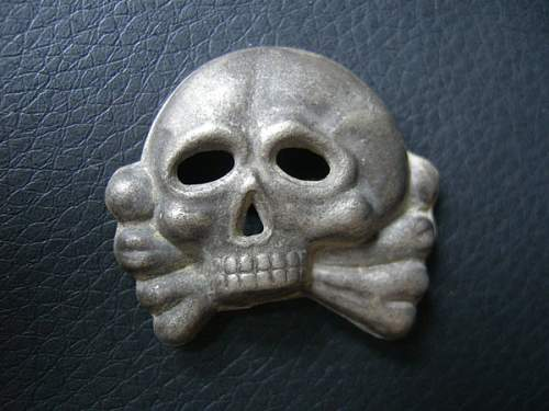 Click image for larger version.  Name:2nd_Totenkopf_Insignia_by_ToxicGas.jpg Views:593 Size:59.4 KB ID:252006