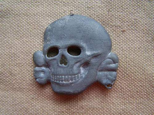 Click image for larger version.  Name:scull%20badge%20(4).jpg Views:128 Size:66.9 KB ID:256769