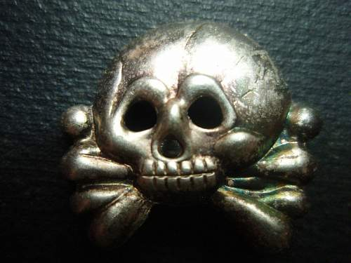Click image for larger version.  Name:early skull1.jpg Views:59 Size:89.9 KB ID:267385