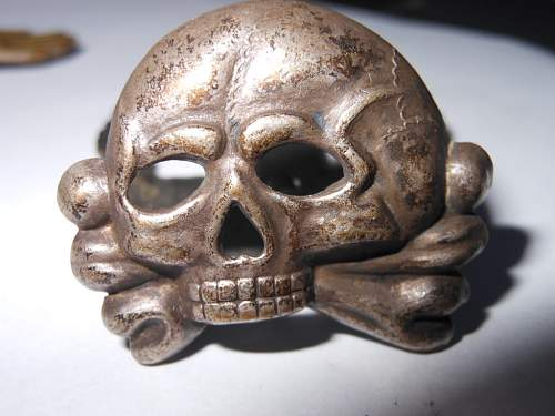 Click image for larger version.  Name:minesweepers badge and SS scull 006.JPG Views:107 Size:229.6 KB ID:316852