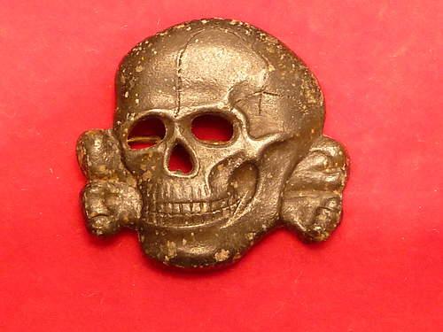 SS Skull: 3 edge prong design