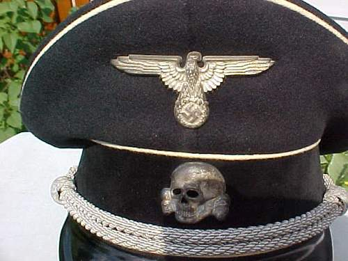 Opinions on early SS visor cap skull.