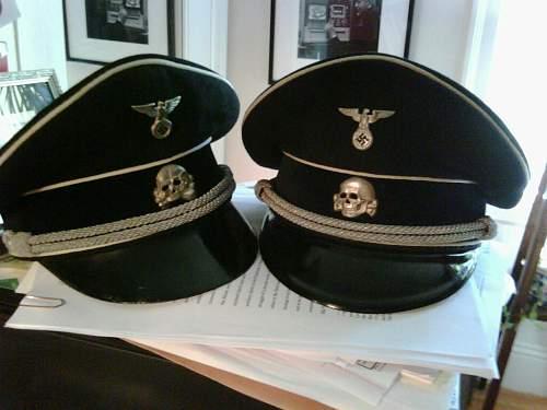 1st pattern deathshead cap badge