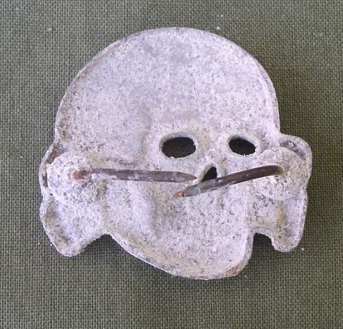 Click image for larger version.  Name:SS skull 2.jpg Views:81 Size:97.9 KB ID:546826