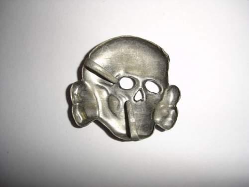 Ebay Assmann skull: 3 edge prong design?