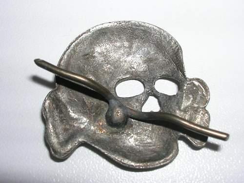 unmarked ss cap skull-original?