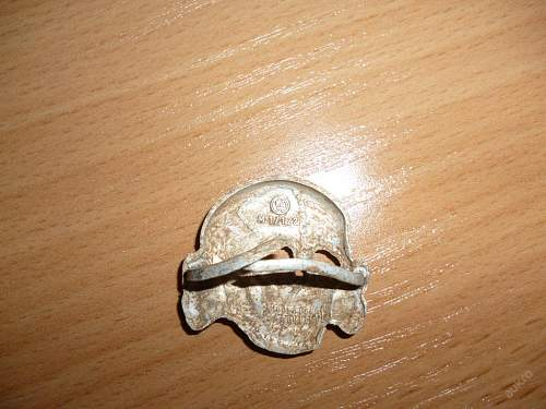 help with skull and eagle