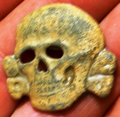 SS skull by Assmann