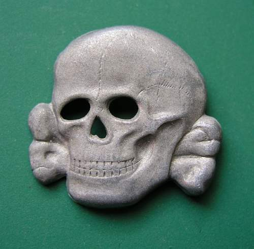 Click image for larger version.  Name:SS 3-prong metal cap skull in excellent conditon - 0.jpeg Views:87 Size:66.0 KB ID:640034