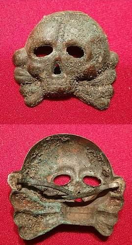 Four Danziger type skulls