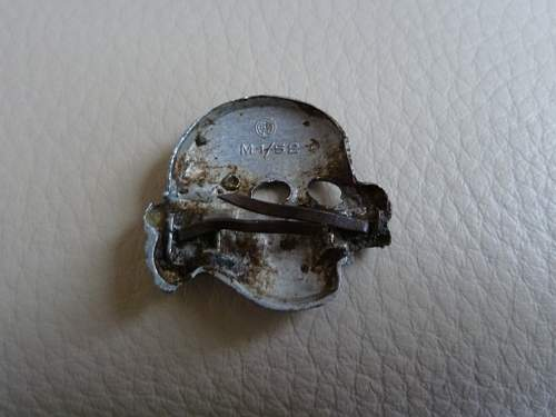 Totenkopf RZM M1/52 Real or Fake ?