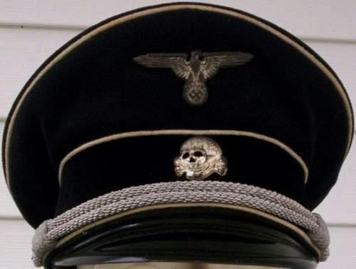 RZM M1/52 - Deschler & Sohn  Totenkopf Cap insignia