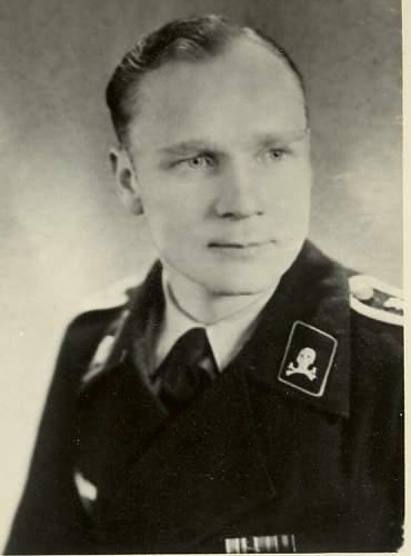 Click image for larger version.  Name:Cap skulls on WH Panzer - Brunswick 1.jpg Views:40 Size:35.1 KB ID:755791