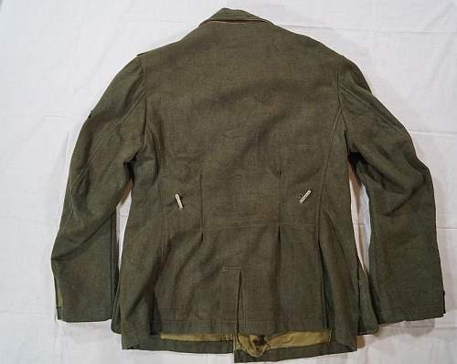 Click image for larger version.  Name:Waffen-SS M43 Tunic (Back).jpg Views:48 Size:65.6 KB ID:1002397