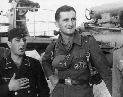 Click image for larger version.  Name:WWII German Golden Paratrooper Badge 08.jpg Views:40 Size:84.7 KB ID:1002740