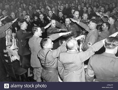 Click image for larger version.  Name:reinhard-heydrich-and-adolf-hitler-in-munich-1938-CPMJ7P.jpg Views:3 Size:163.4 KB ID:1003634