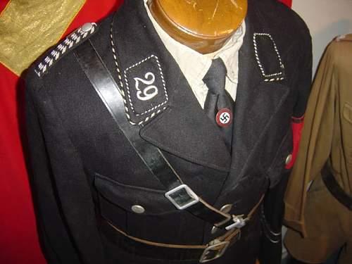 Click image for larger version.  Name:Lindau uniform.jpg Views:14 Size:49.4 KB ID:1007248