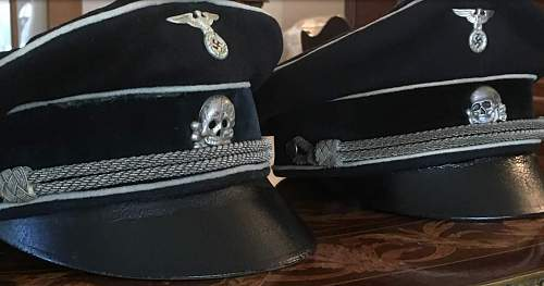 Click image for larger version.  Name:caps and badges.jpg Views:21 Size:205.6 KB ID:1038557