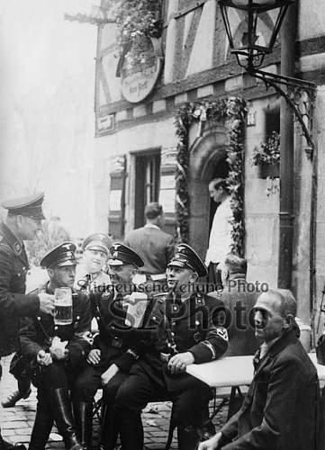 Click image for larger version.  Name:bierpause-auf-dem-reichsparteitag-1937_00338779_p.jpg Views:28 Size:66.5 KB ID:1064324