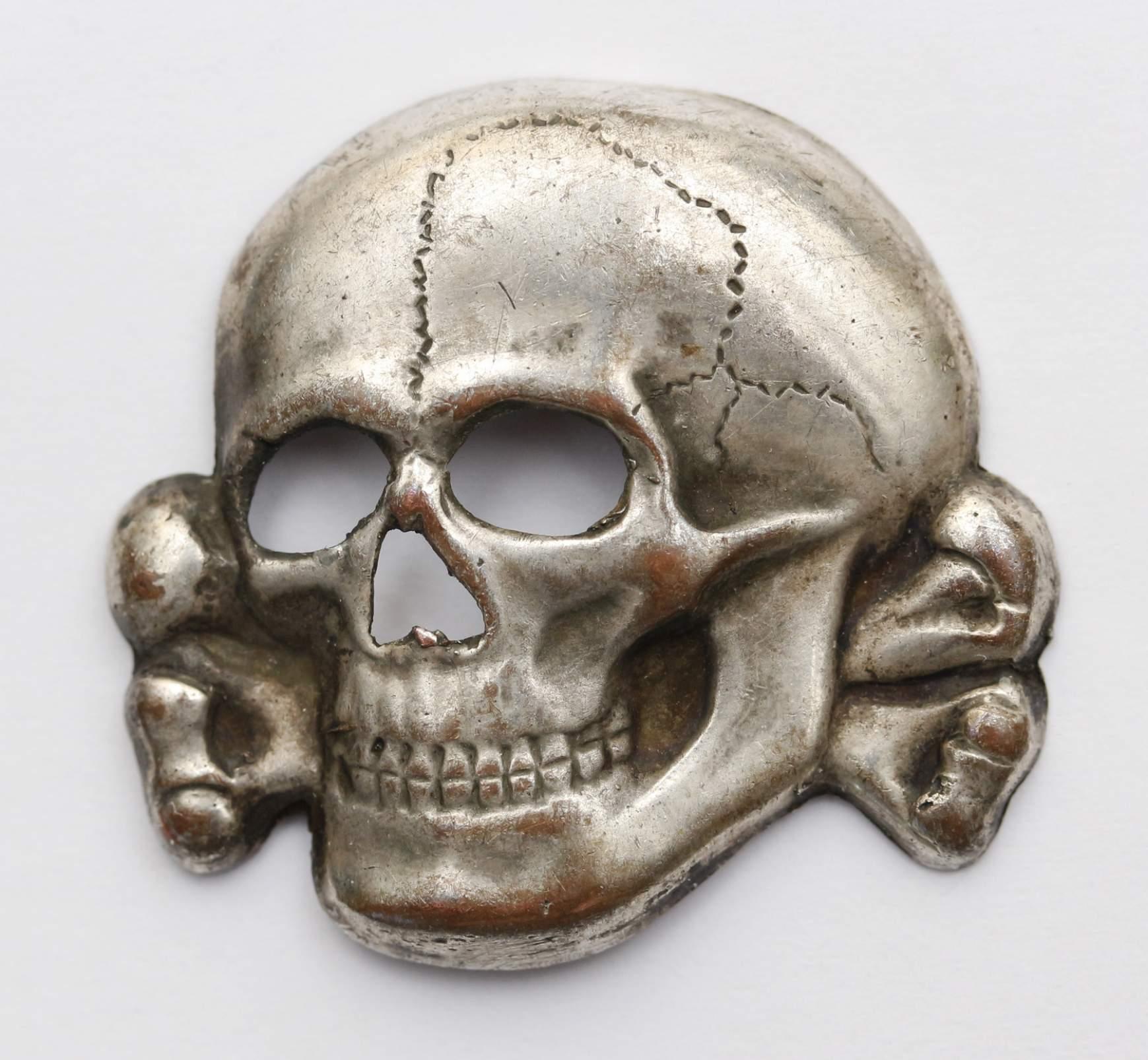 Unmarked SS Metal Skull