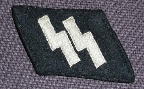 SS runic collar tab