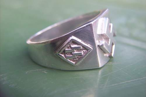 Well-executed fantasy ss ring?