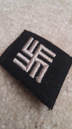Estonia collar tab