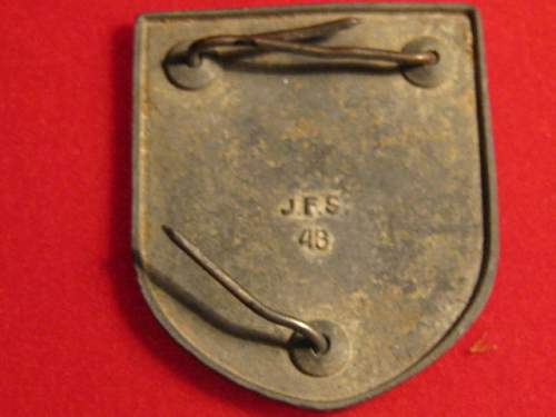 Click image for larger version.  Name:nazi items 002.jpg Views:260 Size:87.8 KB ID:130807